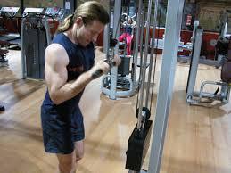 extensiones de triceps en polea
